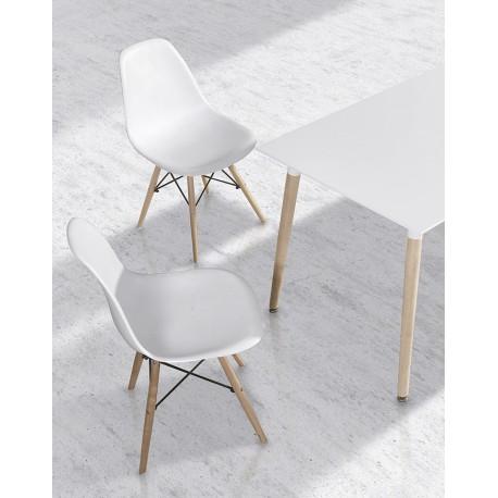 Mesa de comedor y sillas de estilo n rdico for Mesa comedor estilo nordico