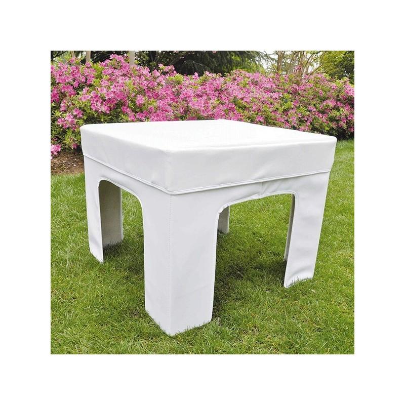 Conjunto de mesa y puffs plegables para el jard n for Conjuntos de jardin plegables